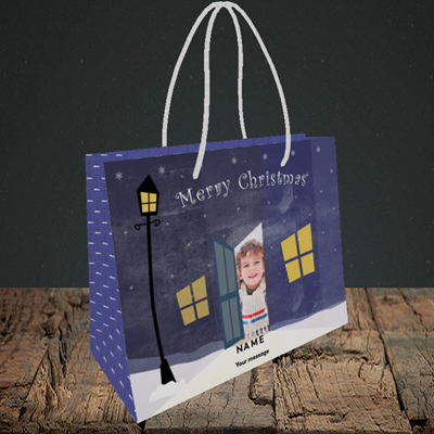 Picture of Lamp Post, Christmas Design, Small Landscape Gift Bag