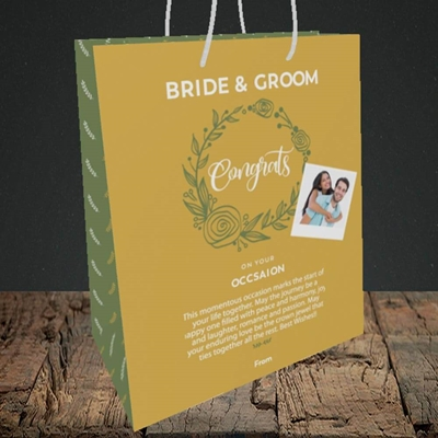 Picture of Wreath Green B&G, Wedding Design, Medium Portrait Gift Bag