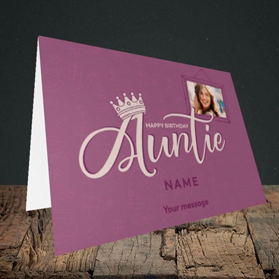 Picture of Auntie (Crown), Birthday Design, Landscape Greetings Card